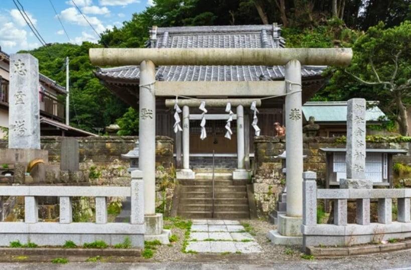 Kanaya Shrine dedicado al dios (kami) del metal Kanayama Hikonokami matsuri