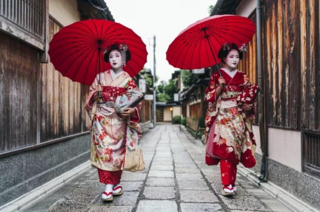 geishas kimono gyon kyoto